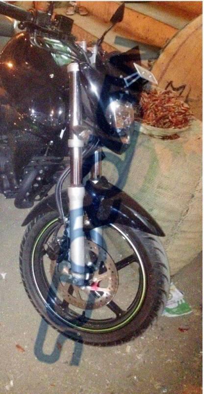 aluvimoto-Yamaha-FZ-Facelift-Spy-Shot-Chennai