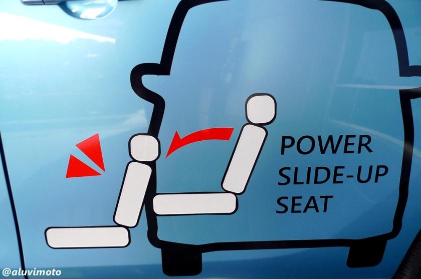aluvimoto bluebird lifecare taxi nissan serena