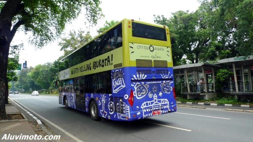 belakang city tour jakarta bus