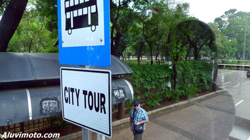halte city tour jakarta bus