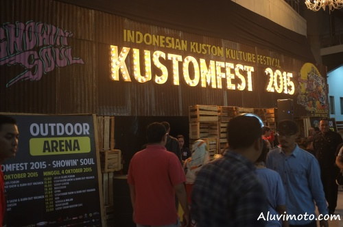 entrance kustomfest 2015 aluvimoto