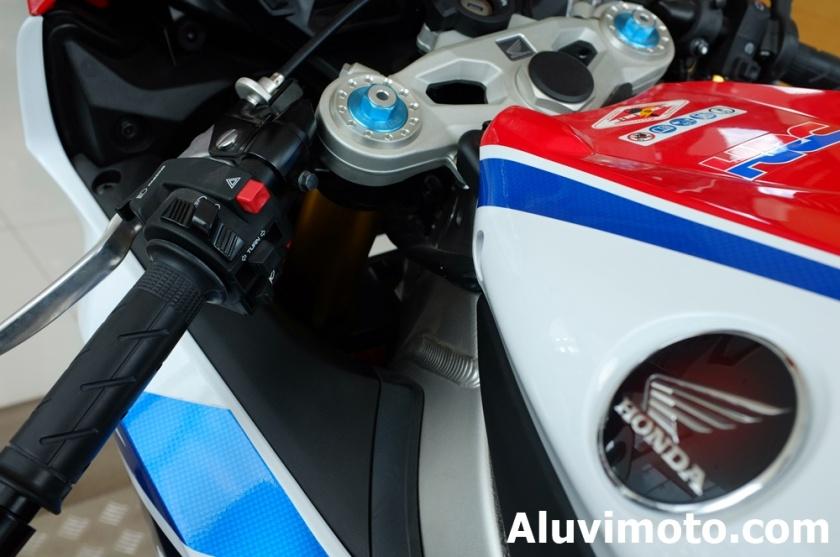 aluvimoto004-20160307holder big bike honda