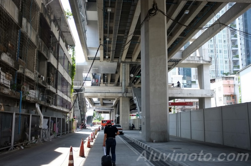 aluvimoto thailand ratchaprarop station