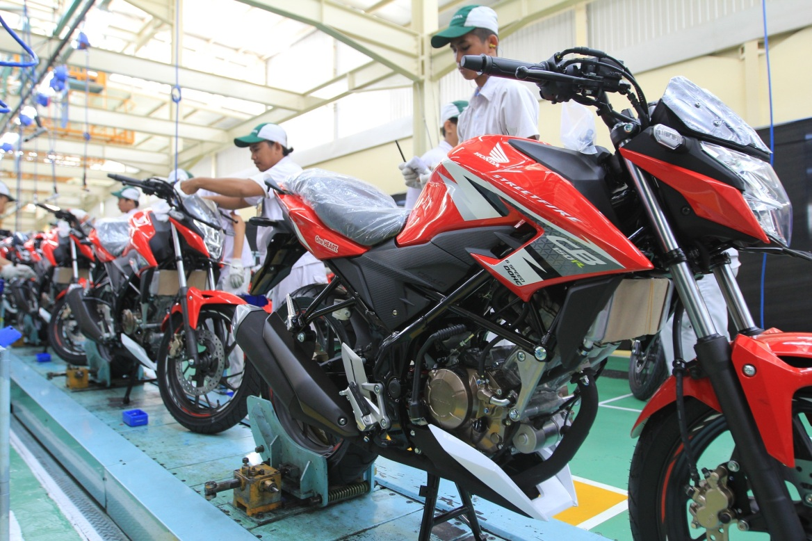 Kelebihan dan Kekurangan Honda CB150R StreetFire - MOTORUPDATE