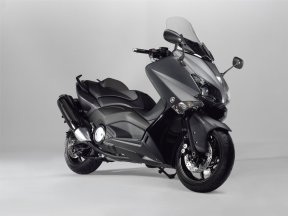 yamaha-tmax-530-wallpaper-4