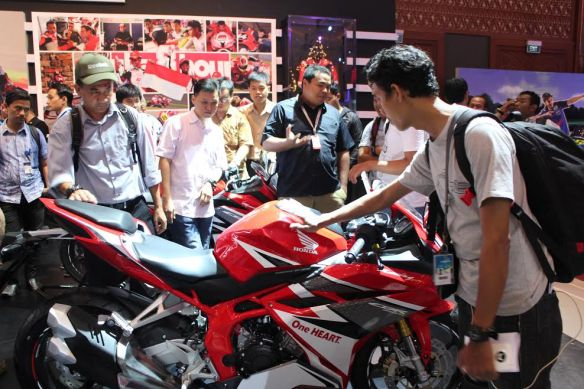 all-new-honda-cbr250rr-aluvimoto