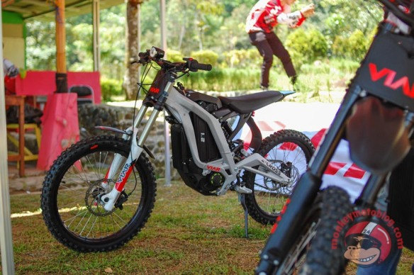 Viar-E-Cross-3